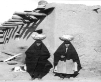 Zuni women with Ollas. Photo Credit: A:shiwi A:wan Museum Photo Archives (archive photos date approximately from 1870-1930s)